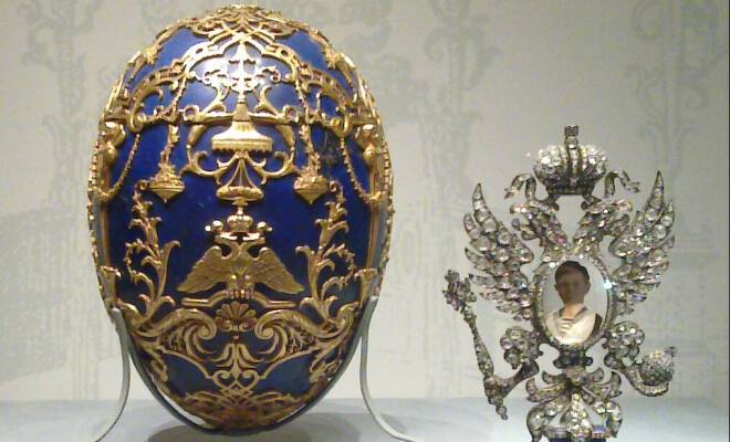 Tsarevich_(Faberg+σ_egg)_and_surprise_660x400_scaled_cropp