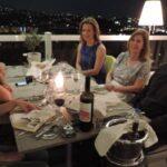 Το Literature.gr σε συνεργασία με το εστιατόριο La Suite Lounge Bar Restaurant στο ξενοδοχείο St.George Lycabettusπροσέφερε ένα λογοτεχνικό δείπνο σε 5 αναγνώστριες με τον βραβευμένο συγγραφέα Δημήτρη Στεφανάκη.
