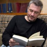 Who's afraid of Literature.gr ? Ο Δημήτρης Στεφανάκης και η Λογοτεχνία ως Παιχνίδι Ενηλίκων