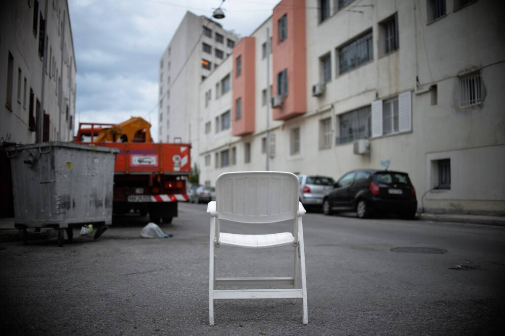disjunction-3-armchair-on-descartes-street-at-the-neos-kosmos-refugee-housing-project