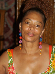 800px-terry_mcmillan_at_the_2008_brooklyn_book_festival