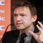David Nicholls  in Literature.gr